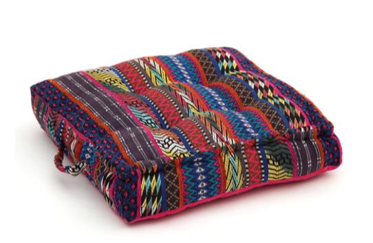 Seat cushion, memory foam, non-slip backrest, durable fabric, superior comfort and softness, reduces pressure and body contours, washable. Decoration: ethnic geometric multicolor